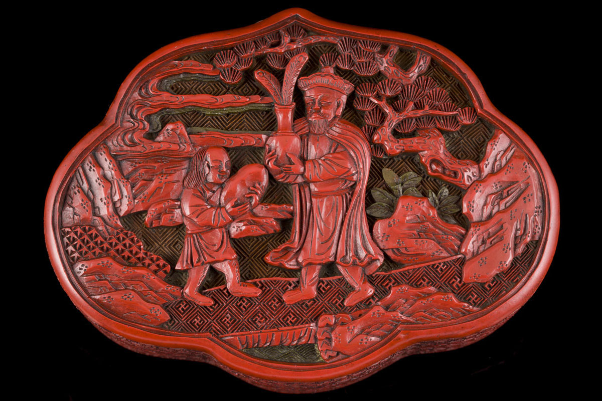 Qianlong three-coloured lacquer box